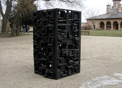 BURHAN Marius Instalatie-obiect Turnul